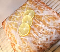 This is a really simple, really easy but REALLY tasty Lemon Drizzle cake.  It was baked for a school cake sale: a ten inch square tray bake, sliced into cup-of-tea sized pieces.  It has two finishi…