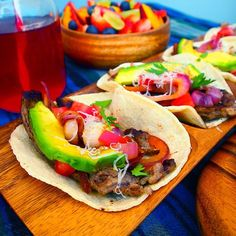 Dreaming about these carne asada tacos from last week's photo shoot. Recipe on the blog coming soon! Mmmmmmm #pacificmerchants #acaciaware #tacos #foodporn #avocado #carne #summer #picnic #healthy #healthyrecipes #healthyfood #entertaining #party