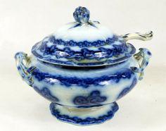 flow blue tureen | 89: Flow Blue Soup Tureen with Ladle : Lot 89