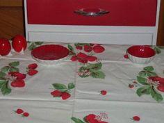 Vintage Wilendur Tablecloth Runner Strawberrys strawberries flowers COTTAGE EX