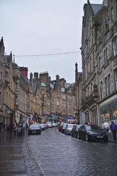 A Scottish New Year's tale: Glasgow and Edinburgh - Backpack Globetrotter Glasgow, Edinburgh, Scottish New Year, Greyfriars Bobby, Heritage Site, Old Town, United Kingdom, Scotland, Backpack