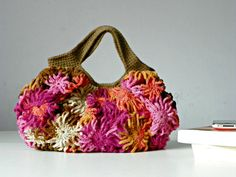 Handbag Crochetted daisy flower bag pink shades oatmeal von NzLbags, $85.00