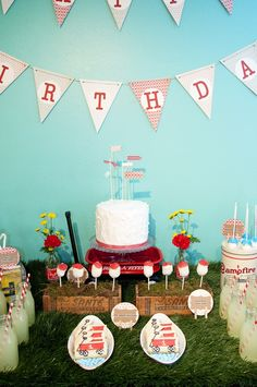 Red wagon party...love that the cake is very basic but the presentation is what makes it so special...