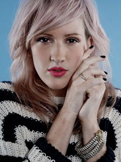 Ellie Goulding. Love the simplicity (and her)