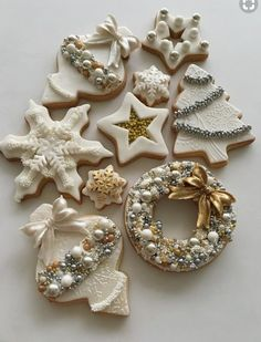 From classic sugar cookies to gingerbread men, these top recipes will sweeten your holiday - and make you the darling of all your cookie swaps. zu navideos The Best Holiday and Christmas Cookie Recipes Christmas Sugar Cookies, Christmas Sweets, Noel Christmas, Christmas Goodies, Holiday Cookies, Christmas Baking, White Christmas, Snowflake Cookies, Gingerbread Cookies