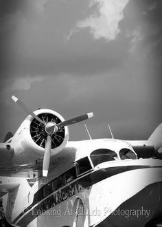 airplane art photo - 5 x 7 Grumman Goose - amphibian airplane - black and white G-21A