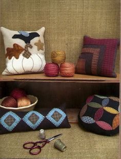 Primitive Folk Art Wool Applique Pattern:    WOOL PINCUSHIONS (IV)
