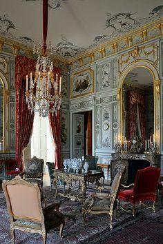 Victorian Furniture, French Furniture, Furniture Decor, Interior Paint, Decor Interior Design, Interior Decorating, Versailles, Victorian Manor, French Style Homes