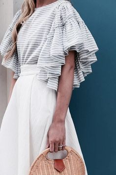 What's Trending Now – 34 Summer Outfits Ideas Casual Summer Fashion Style. Very Light and Fresh Look. The Best of summer outfits in Sleeves Designs For Dresses, Sleeve Designs, Blouse Designs, Fashion Details, Look Fashion, Fashion Outfits, Womens Fashion, Fashion Design, Street Fashion