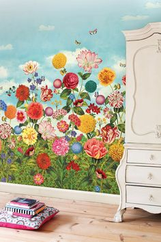 the Look: Fabulous Floral Bedroom Walls. PiP Wild Flowerland behang what fun wallpaper this site has! maybe girls room?PiP Wild Flowerland behang what fun wallpaper this site has! maybe girls room?