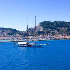 Agosto 2016      ZAKYNTHOS  Es una Isla Griega de la que ya se hablaba en la Odisea de Homero, así que suponemos que en aquellos tiempos ev...