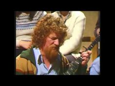 Luke Kelly explains how he met Patrick Kavanagh in The Bailey pub in Dublin. During this encounter Kavanagh told him he had a song for him. First broadcast 1...
