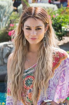 Vanessa Hudgens is a queen of a Coachella festival
