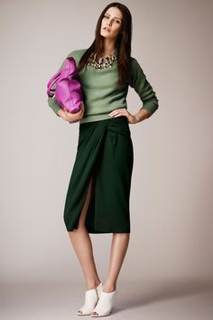 Celebrities who wear, use, or own Burberry Prorsum Resort 2014 Skirt. Also discover the movies, TV shows, and events associated with Burberry Prorsum Resort 2014 Skirt. Fashion Moda, Fashion Week, Runway Fashion, High Fashion, Fashion Show, Womens Fashion, Fashion Design, Review Fashion, Burberry Prorsum