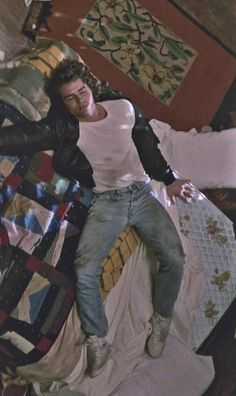 Jason Patric~~AS MICHEAL IN A SCENE IN THE 1987 MOVIE ~~ The Lost Boys~~