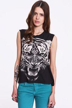 Truly Madly Deeply T-Shirt mit weißem Tigermotiv  €33,00