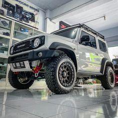 """𝟐𝟎𝟏𝟗 𝐬𝐮𝐳𝐮𝐤𝐢 𝐣𝐢𝐦𝐧𝐲 𝐣𝐛𝟕𝟒𝐰 on Instagram: """"HB1st 🦏 • • • #suzukijimny #jimny2019 #jb74 #jimnysierra #jb74id #jb74w #suzukijimnyindonesia #suzukijimnymodifikasi #suzukijimny4x4…"""" My Dream Car, Dream Cars, Jimny 4x4, Jimny Sierra, Jimny Suzuki, Sport Suv, Off Road Camping, Mini Trucks, Classic Motors"""