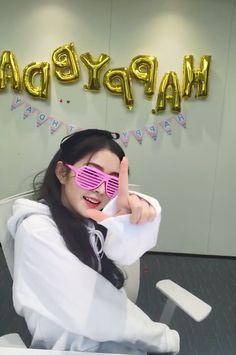 South Korean Girls, Korean Girl Groups, Red Velvet Photoshoot, Gfriend Yuju, Star Comics, Red Velvet Irene, Girl Bands, Seulgi, Woman Crush