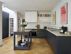 Roundhouse Urbo matt lacquer blue kitchen
