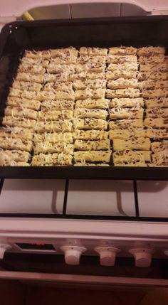 Lakodalmas sós! - Hétvégére kell egy kis ropogtatnivaló, na meg a vendégek is imádják! - Ketkes.com Dessert, Cereal, Baking, Breakfast, Food, Chocolate Candies, Pies, Kuchen, Morning Coffee