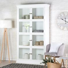 Nantes vitrina puertas cristal White Wood, Shelving, Bookcase, Studio, Furniture, Home Decor, Mugs, Ideas, Bedroom Cabinets
