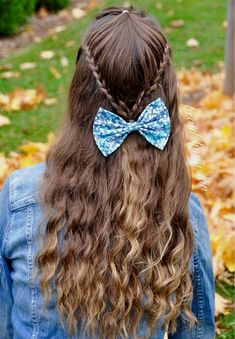 This website show cool hairstyles for teenager girls that don't need a lot of effort.