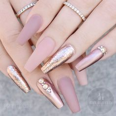 "If you're unfamiliar with nail trends and you hear the words ""coffin nails,"" what comes to mind? It's not nails with coffins drawn on them. Although, that would be a cute look for Halloween. It's long nails with a square tip, and the look has. Rose Gold Nails, Nude Nails, Matte Nails, Matte Pink, Nail Pink, Stiletto Nails, Matte Gel, Rose Nail Art, Cute Acrylic Nails"
