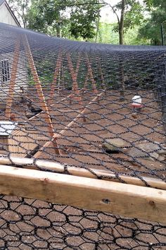 "cool info on how to build a super cool chicken run. Predator proof and roomy. From ""my pet chicken"" blog 20120904_172518"