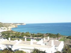 SALEMA BEACH- plot with amazing sea views for the construction of 3 T2 apartments and 1 T1 apart