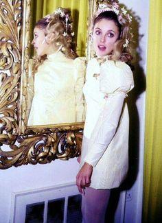 Sharon Tate on her wedding day to Roman Polanski 1968