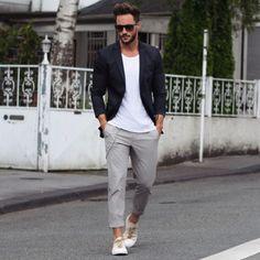 summer is sneaking away // menswear, mens style, mens fashion, tshirt, blazer, sneakers, sunglasses