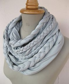 Beautiful scarves...most importantly beautiful scarves with detailed istriuctions on how to make them :-)