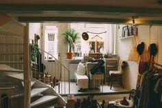 Small Amsterdam storefront – Interior – Modern Home interior Design Kitchen 101 Cool Teen Bedrooms, Teen Bedroom Designs, Master Bedrooms, Bedroom Ideas, Condo Interior Design, Interior Modern, Apartment Interior, Furnished Apartment, Room Interior