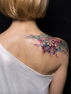 watercolor shoulder tattoo © tattoo artist: Lenara ( 💕✨💕✨💕 watercolor tattoo Watercolor Tattoos Will Turn Your Body into a Living Canvas - KickAss Things Tattoo Designs For Women, Tattoos For Women Small, Small Tattoos, Tattoos For Guys, Dotwork Tattoo Mandala, Mandala Tattoo Design, Cool Shoulder Tattoos, Shoulder Tattoos For Women, Mandala Tattoo Shoulder