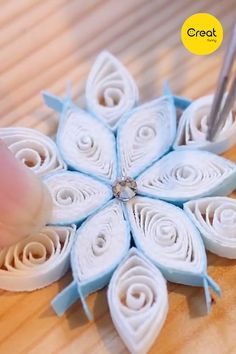 DIY Quilling Cute Snowflake Flowers Completed in 5 Minutes Creative Cute Handic. - hochzeit geschenke - DIY Quilling Cute Snowflake Flowers Completed in 5 Minutes Creative Cute Handicrafts Home Decor Th - Paper Quilling Patterns, Quilled Paper Art, Quilling Paper Craft, Paper Crafts, Quilling Flowers Tutorial, Paper Quilling Flowers, Diy Crafts, Quilling Flower Designs, Quilling Instructions