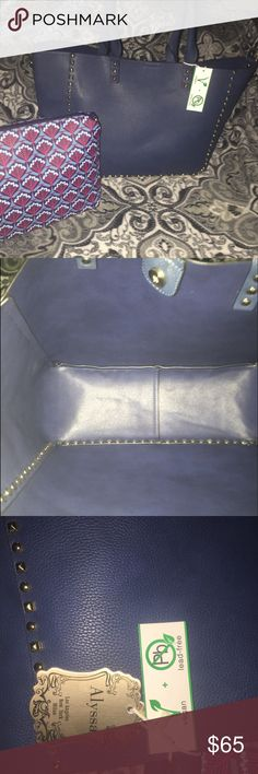 """💕Vegan Leather Studded Tote&Pouch💕 Navy blue, with gold studs! VEGAN leather, VERY spacious&versatile! The pouch is very big, so you can use it as another purse, or cosmetic bag! GREAT QUALITY, looks similar to the """"Valentino reversible tote!"""" I Paid $89 for this bag and its BRAND NEW, so please don't lowball me! 🚫PRICE FIRM! Bags Totes"""
