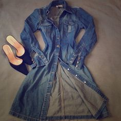 SATURDAY SALEHENNES Jean dress Cool color, so soft, 100% cotton. Classic. Pit to pit - 16, length - 34.5. The price is final. It's gorgeous. Hennes Dresses