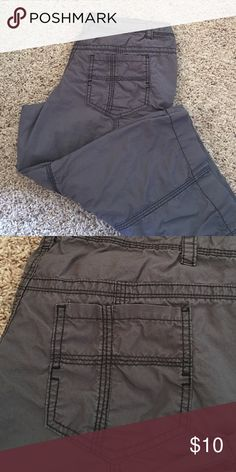 Missing Supply Co. crop pants. Charcoal. Size 9. Mossimo Supply Co. crop pants. Mossimo Supply Co. Pants Capris