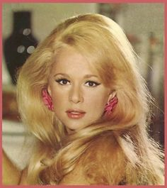 one of the most beautiful women: aliki vougiouklaki Video Photography, Beauty Photography, Yvette Mimieux, Going Blonde, Vintage Videos, You Make Me Laugh, Famous Women, Famous People, Beauty Hacks Video