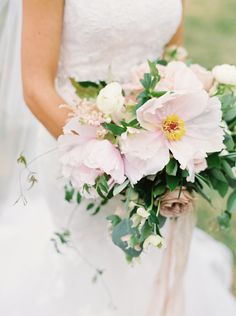 The prettiest pale pink bouquet: Photography : Annie Parish Photography | Floral Design : Meg Catherine Read More on SMP: http://www.stylemepretty.com/2016/04/20/a-whirlwind-hometown-wedding-filled-with-heart/
