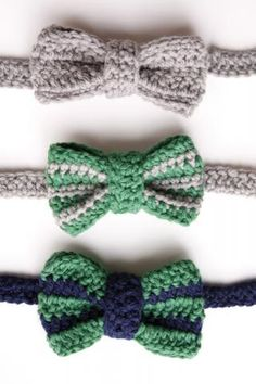 How to crochet a bow tie. This pattern is for a boys bow tie, but I think it would look adorable on a headband for a little girl! :-)