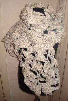Nicole de Boer | Felted scarve and some interior-design. | punt.nl: Je eigen gratis weblog, gratis fotoalbum, webmail, startpagina enz