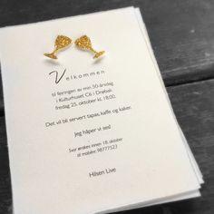 Invitasjon til bursdag, fest eller jubileu med håndlagde glass i gull.