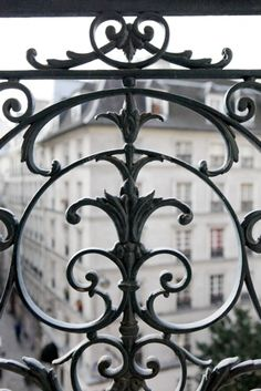 Iron work in Paris - architecture Paris Apartment Interiors, Parisian Apartment, Paris Apartments, Apartment Interior Design, Apartment Ideas, Apartment View, French Apartment, Belle France, Belle Villa