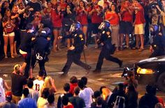 Tucson police fire pepper spray at Arizona fans after NCAA tournament loss