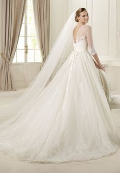 home bride tulle and lace bateau ball gown elegant wedding dress