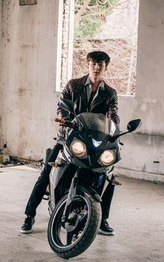 Kpop Exo, Park Chanyeol, Sehun Cute, We Bare Bears Wallpapers, Exo Lockscreen, Exo Members, K Idol, Kyungsoo, Taeyong