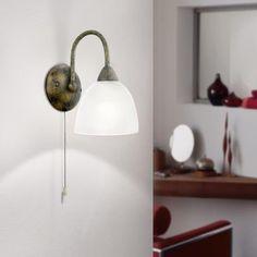Klassische Wandleuchte mit hochwertigem Alabasterglas