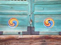 Hotels-live.com/pages/sejours-pas-chers - Une porte du temple Beomeosa de Busan Beomeosa temple - Busan South Korea #southkorea #korea #temple #busan Hotels-live.com via https://www.instagram.com/p/BEfhJlKPOla/