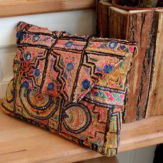 RAJASTHAN by NAWERI 129€ Boho clutch made from antique embroidered fabrics. Pochette confectionnée à partir de tissus brodés antiques. Modèle unique.